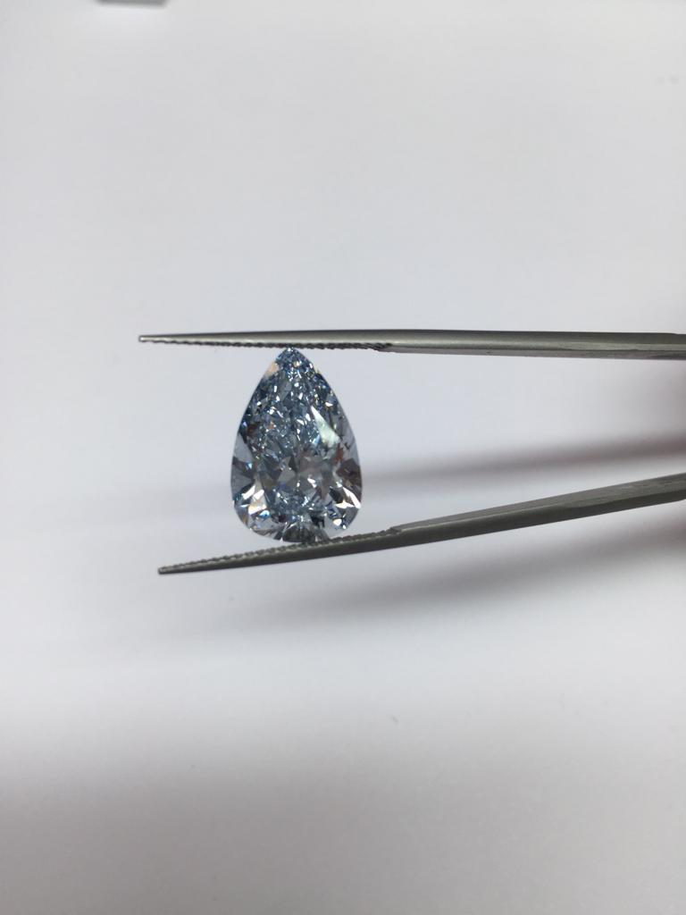 loose fancy coloured blue diamond